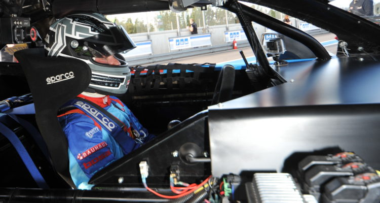 Jan-Magnussen-har-testet-både-sin-nye-Camaro-racer-og-de-nye-Yokohama-dæk-foto-Morten-Alstrup
