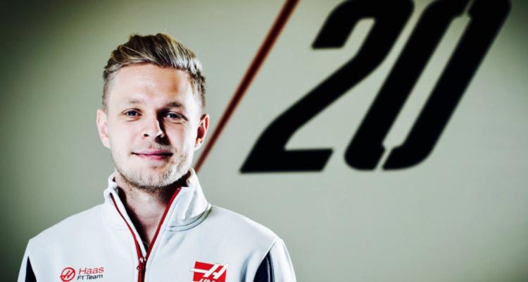 Se formel 1. Kevin Magnussen har besøgt Haas i England