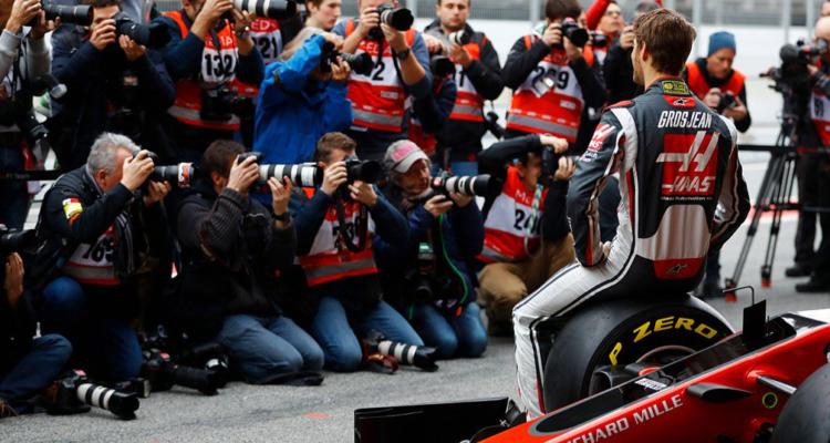 Romain Grosjean kører Haas raceren under vintertestens tredje og fjerde dag.