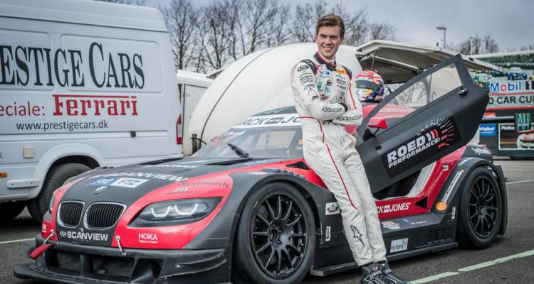 Både i den europæiske GT4-serie og i den danske DST-serie er Kevin Rossel fornemt fra land i sæsonen med henholdsvis en andenplads og en delt førsteplads