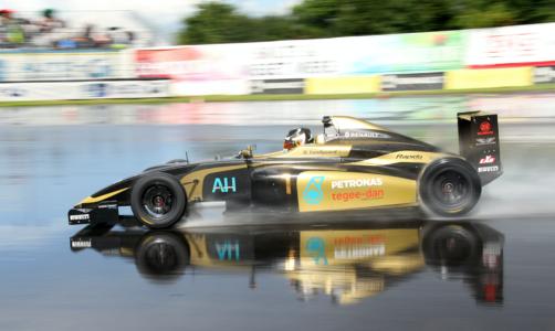 Daniel Lundgaard fører Formel 4 Renault serien 2017