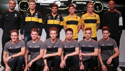 Christian Lundgaard sammen med Renaults Formel 1 Team 2018
