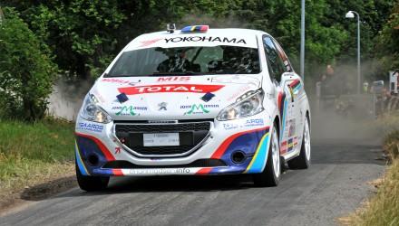 Der er intet mindre end 27 biler til start i den klasse i VM-løbet, hvor Peugeot Sport Dealer Team DK's Peugeot 208 R2 skal deltage. Foto: rallypics.dk.