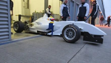 Nordjyden har denne uge testet Formel 3 på Lausitzring for Ma-con - samme team, som Marco Sørensen høstede succeser med i sin tid i den tyske Formel 3-serie.